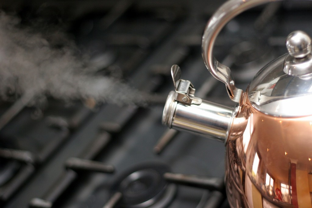 Does boiling water remove contaminates?